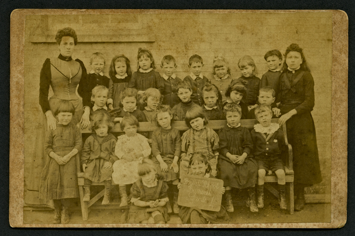 Cabinet photograph of infant group from Burwell British School 1907
